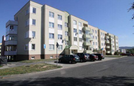 Klatovy Mánesova ulice - 48 bytových jednotek 2003