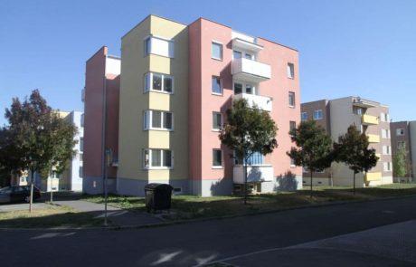 Klatovy Mánesova ulice - 12 bytových jednotek, 2004